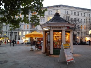 Berlin-Charlottenburg, Kurfürstendamm, Ecke Uhlandstraße