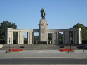 Berlin-Tiergarten, Sowjetisches Ehrenmal